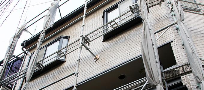 外壁塗装の足場は必ず必要