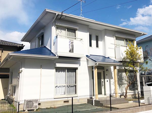 福岡市 – 築30年2階戸建て2回目のサイディング外壁・スレート屋根塗装【No.242】