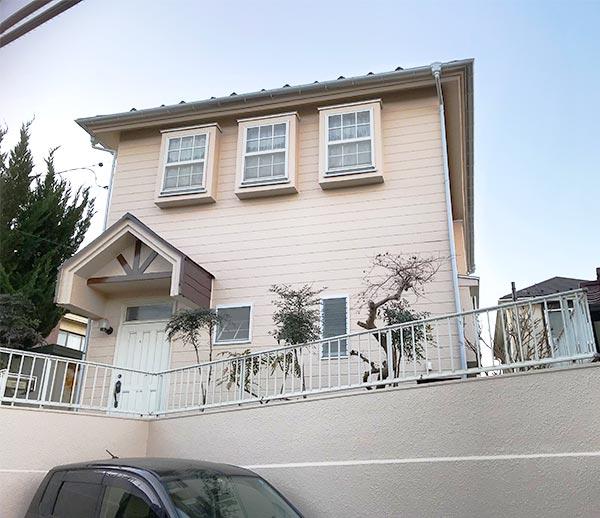 横浜市 -築30年2階戸建て火災保険を利用した外壁・屋根塗装、ベランダ防水工事【No.245】