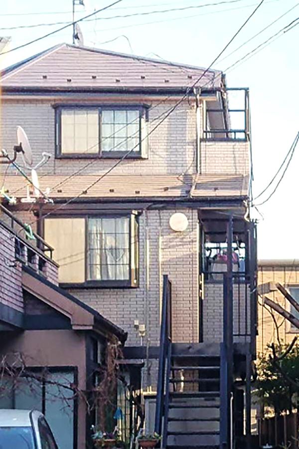 新宿区 -築20年30坪3階戸建て外壁・屋根塗装、バルコニー防水工事、鉄骨階段と付帯部の塗装【No.246】