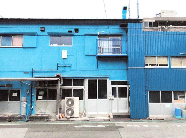 葛飾区- 築50年2階建て事務所の外壁・屋根塗装、ガルバリウム鋼板カバー工法【No.259】