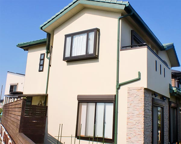 板野郡 -築20年2階一戸建て初めての外壁塗装、付帯塗装、ウッドデッキ・フェンス塗装【No.349】
